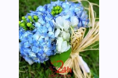 24h chuyên dịch vụ cưới hỏi: trang trí nhà đám cưới hỏi, nhà hàng tiệc cưới, nhân sự bưng mâm quả, cổng hoa, xe hoa, cắt dán chữ và tin tức cưới hỏi: đám cưới sao, lập kế hoạch cưới, làm đẹp ngày cưới-Hoa cầm tay cô dâu với hồng xanh