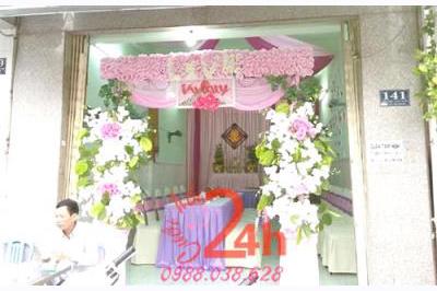 Dịch vụ cưới hỏi 24h trọn vẹn ngày vui chuyên trang trí nhà đám cưới hỏi và nhà hàng tiệc cưới | Cổng hoa vải lãng mạn tông hồng