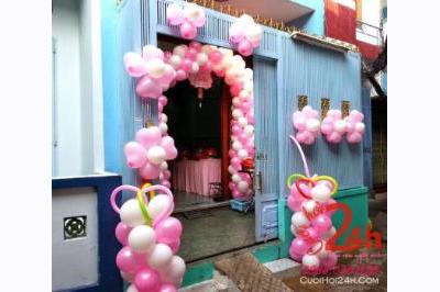 Dịch vụ cưới hỏi 24h trọn vẹn ngày vui chuyên trang trí nhà đám cưới hỏi và nhà hàng tiệc cưới | Bong bóng trang trí cổng hoa và cửa nhà đám cưới trắng hồng