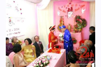 -24h chuyên dịch vụ cưới hỏi: trang trí nhà đám cưới hỏi, nhà hàng tiệc cưới, nhân sự bưng mâm quả, cổng hoa, xe hoa, cắt dán chữ và tin tức cưới hỏi: đám cưới sao, lập kế hoạch cưới, làm đẹp ngày cưới -Cho thuê người đại diện hai họ nhà trai gái