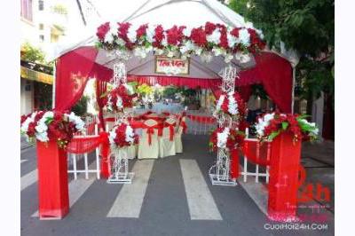 Dịch vụ cưới hỏi 24h trọn vẹn ngày vui chuyên trang trí nhà đám cưới hỏi và nhà hàng tiệc cưới | Nhà Bạt - khung rạp mẫu trắng đỏ với 2 trụ