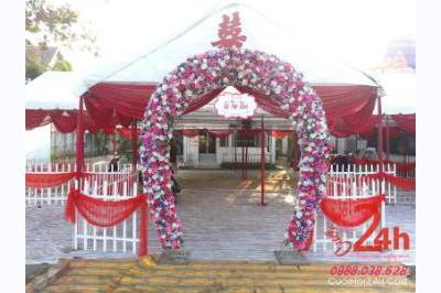 Dịch vụ cưới hỏi 24h trọn vẹn ngày vui chuyên trang trí nhà đám cưới hỏi và nhà hàng tiệc cưới | Cho thuê nhà tiệc khung rạp tông đỏ với cổng hoa tím bầu đẹp