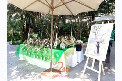 Dịch vụ cưới hỏi 24h trọn vẹn ngày vui chuyên trang trí nhà đám cưới hỏi và nhà hàng tiệc cưới | Trang trí bàn ký tên màu xanh lá tươi đẹp (2)