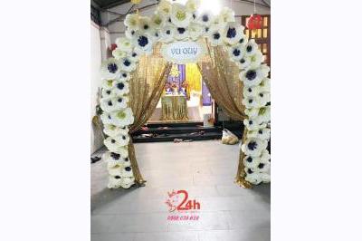 Dịch vụ cưới hỏi 24h trọn vẹn ngày vui chuyên trang trí nhà đám cưới hỏi và nhà hàng tiệc cưới | Cổng đám cưới kết hoa giấy tông vàng kim sang trọng
