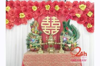 Dịch vụ cưới hỏi 24h trọn vẹn ngày vui chuyên trang trí nhà đám cưới hỏi và nhà hàng tiệc cưới | Bàn thờ gia tiên ngày đám cưới kết hoa giấy đỏ