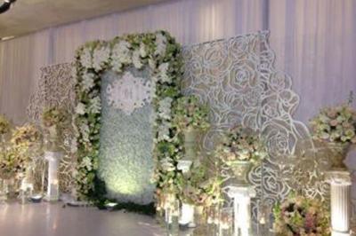 Dịch vụ cưới hỏi 24h trọn vẹn ngày vui chuyên trang trí nhà đám cưới hỏi và nhà hàng tiệc cưới | Dịch vụ trang trí phông cưới kết hoa hồng, hoa lan và tú cầu trọn gói