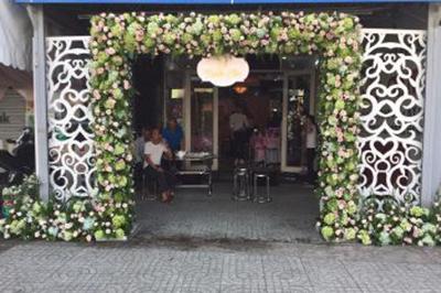 -24h chuyên dịch vụ cưới hỏi: trang trí nhà đám cưới hỏi, nhà hàng tiệc cưới, nhân sự bưng mâm quả, cổng hoa, xe hoa, cắt dán chữ và tin tức cưới hỏi: đám cưới sao, lập kế hoạch cưới, làm đẹp ngày cưới -Mẫu cổng cưới hoa tươi hoành tráng gam xanh v