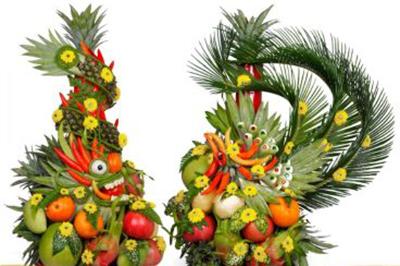 Dịch vụ cưới hỏi 24h trọn vẹn ngày vui chuyên trang trí nhà đám cưới hỏi và nhà hàng tiệc cưới | Mẫu mâm quả rồng phụng kết trái cây tươi nhiều màu sắc tươi sáng
