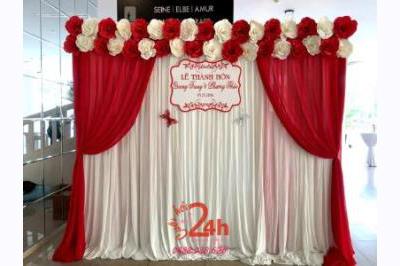 -24h chuyên dịch vụ cưới hỏi: trang trí nhà đám cưới hỏi, nhà hàng tiệc cưới, nhân sự bưng mâm quả, cổng hoa, xe hoa, cắt dán chữ và tin tức cưới hỏi: đám cưới sao, lập kế hoạch cưới, làm đẹp ngày cưới -Phông hoa giấy màu trắng đỏ cho lễ thành hôn