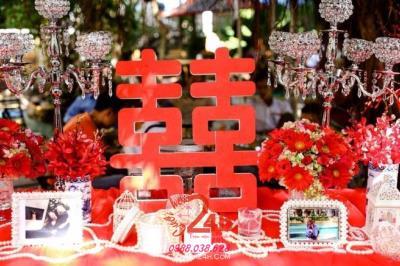 Dịch vụ cưới hỏi 24h trọn vẹn ngày vui chuyên trang trí nhà đám cưới hỏi và nhà hàng tiệc cưới | Trang trí bàn ký tên tông đỏ song hỷ (2)
