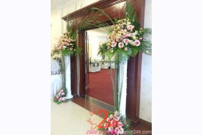 Dịch vụ cưới hỏi 24h trọn vẹn ngày vui chuyên trang trí nhà đám cưới hỏi và nhà hàng tiệc cưới | Trang trí cổng đón khách nhà hàng với hoa tươi