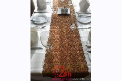 Dịch vụ cưới hỏi 24h trọn vẹn ngày vui chuyên trang trí nhà đám cưới hỏi và nhà hàng tiệc cưới | Bàn ghế dài chữ nhật cao cấp tông trắng đỏ đô cho tiệc cưới nhà hàng