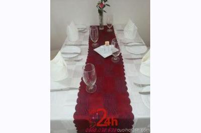 Dịch vụ cưới hỏi 24h trọn vẹn ngày vui chuyên trang trí nhà đám cưới hỏi và nhà hàng tiệc cưới | Bàn ghế dài chữ nhật cho tiệc cưới nhà hàng tông trắng đỏ