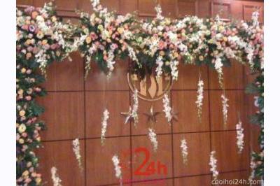 Dịch vụ cưới hỏi 24h trọn vẹn ngày vui chuyên trang trí nhà đám cưới hỏi và nhà hàng tiệc cưới | Trang Backdrop hoa tươi chụp ảnh cưới nhà hàng với hồng và lan