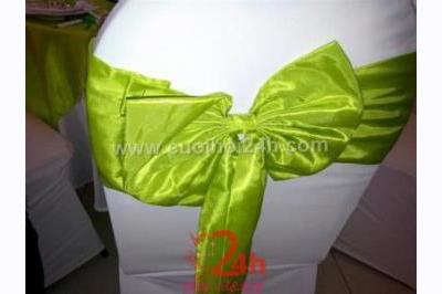 Dịch vụ cưới hỏi 24h trọn vẹn ngày vui chuyên trang trí nhà đám cưới hỏi và nhà hàng tiệc cưới | Bàn ghế tông trắng, nơ xanh lá cho đám hỏi, lễ cưới
